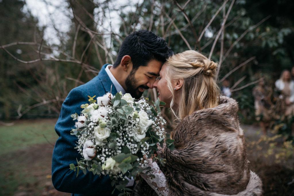 Winter Brautpaar Brautstrauß
